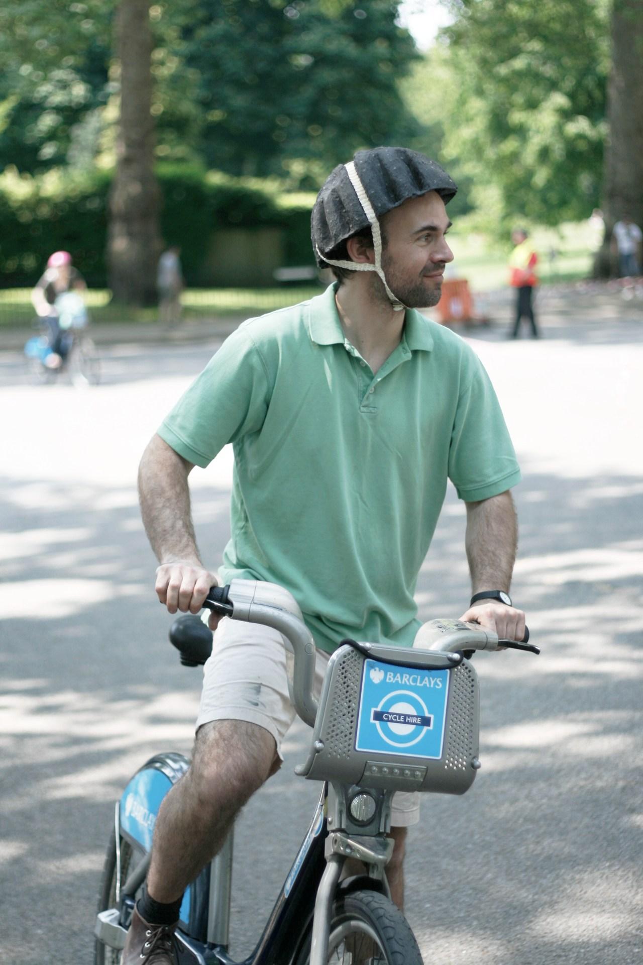 Paper Pulp Helmet_3